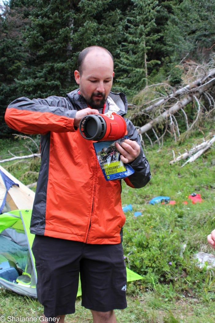 Prepping freeze-dried meals using the Jetboil Flash